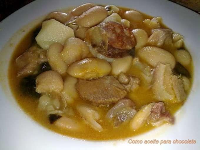 Costillas con oreja de cerdo 5 recetas petitchef for Cocinar oreja de cerdo