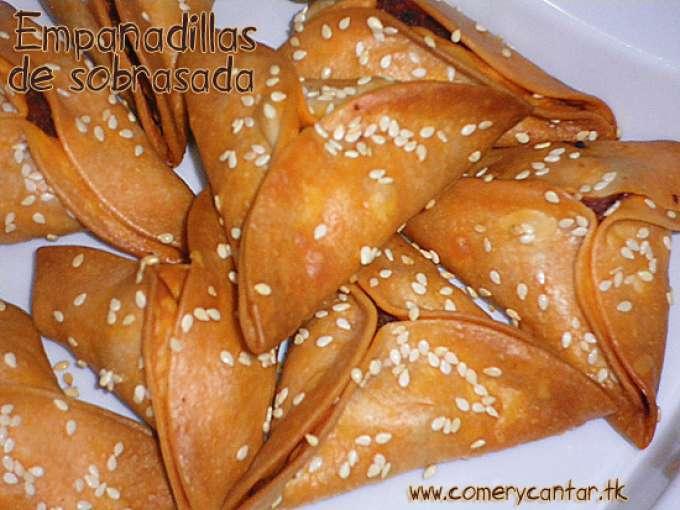 Empanadillas de sobrasada y miel