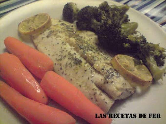Merluza al horno con verduras al vapor receta petitchef for Cocinar con horno de vapor