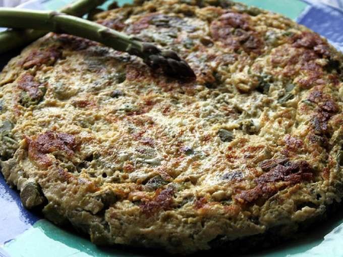 Tortilla de espárragos verdes jugosa