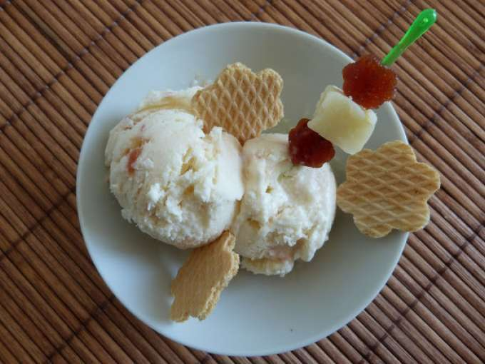 Helado de queso con membrillo