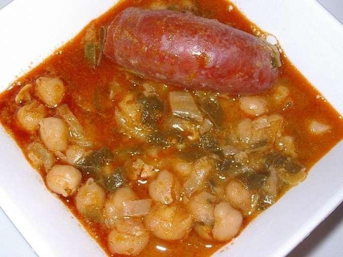 Potaje de garbanzos con acelgas receta petitchef for Como cocinar alubias de bote