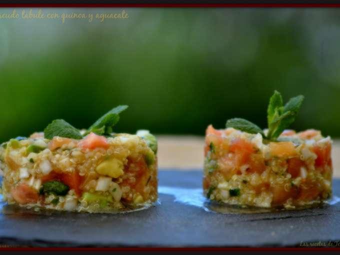 Pseudo tabule con quinoa y aguacate