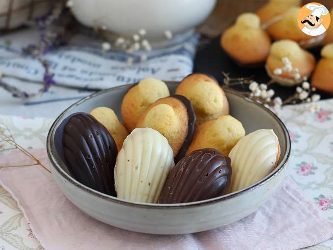 Madeleines con chocolate tricolor