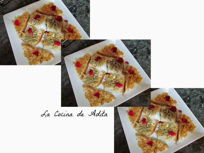 Canap s con crujientes de cebollas y pipas receta petitchef for Canape de pate con cebolla caramelizada