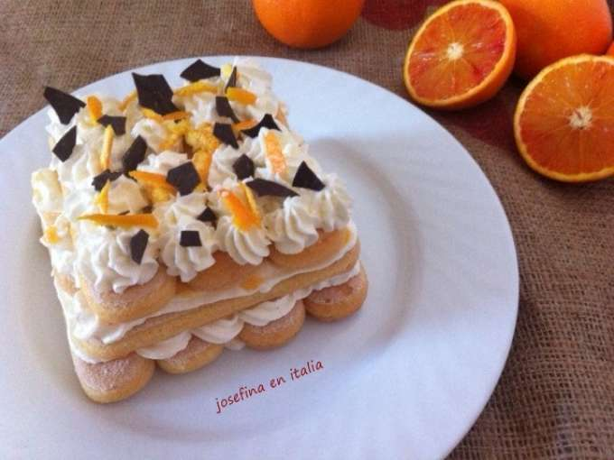 Tiramisú italiano de naranja