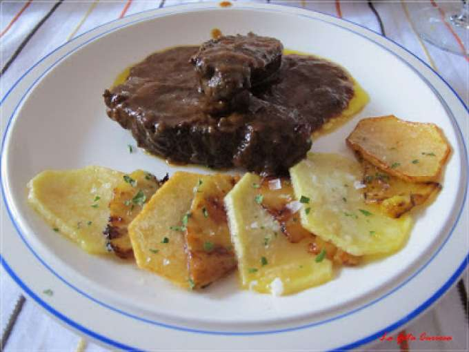 Carrilleras de ternera a la vainilla con patatas y pi a - Carrilladas de ternera ...