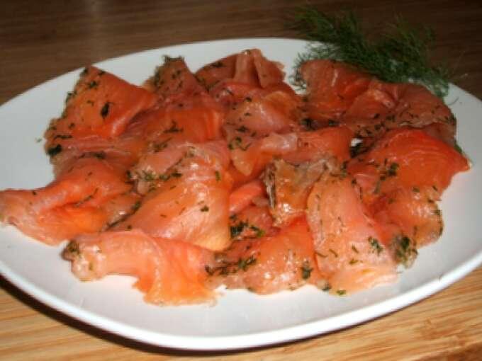 Trucha asalmonada marinada con eneldo receta petitchef - Como cocinar la trucha ...
