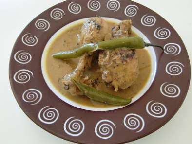 Pollo al curry y coco con cardamomo