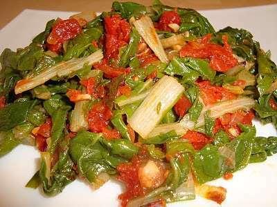 Acelgas con tomate receta petitchef for Cocinar acelgas