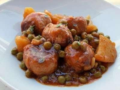 Alb ndigas con patatas y salsa de guisantes receta petitchef - Acompanamiento para albondigas ...