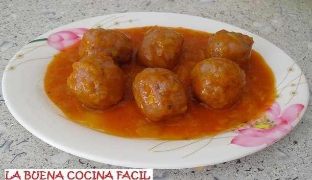 Albondigas con salsa de tomate y puerro receta petitchef - Acompanamiento para albondigas ...