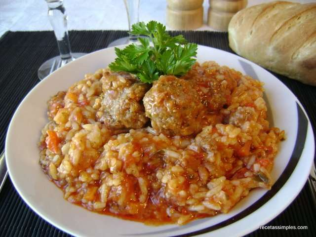 Arroz con alb ndigas receta petitchef - Acompanamiento para albondigas ...