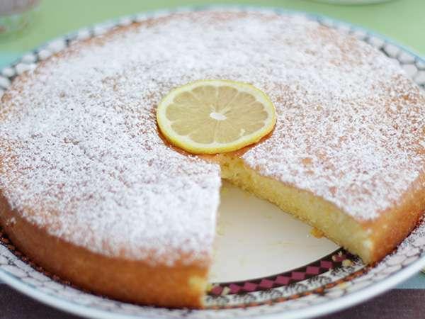 Bizcocho esponjoso de lim n sencillo receta petitchef for Bizcocho limon esponjoso