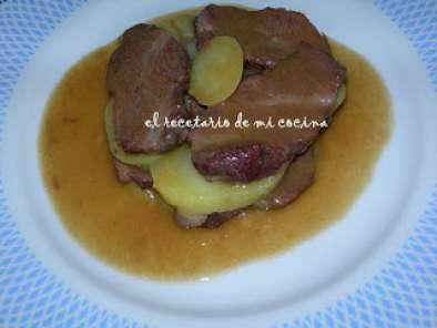 Como Cocinar Carrilleras De Ternera | Carrilleras De Ternera En Salsa Con Patatas Al Tomillo Receta Petitchef