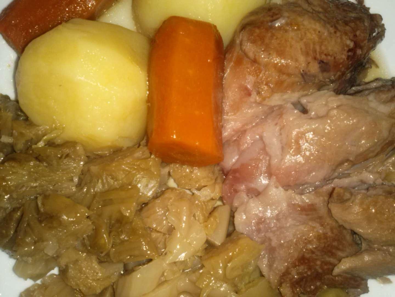 Genial cocinar codillo salmuerizado galer a de im genes for Cocinar repollo con patatas