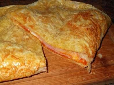Empanada De Jamon Y Queso Con Sobrasada