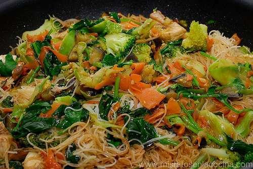 Fideos de arroz con verduras receta petitchef for Cocinar fideos de arroz