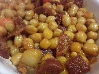 Garbanzos con chorizo al estilo ropa vieja receta petitchef for Cocinar garbanzos con chorizo