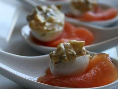 Huevos De Codorniz Rellenos De Salmón