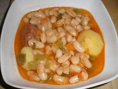 Judias blancas con chorizo receta petitchef for Cocinar judias negras