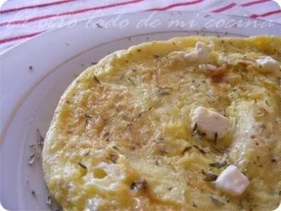 Tortilla francesa con queso aromatizada al tomillo