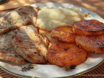 Lomo con naranja a la plancha y puré de piña