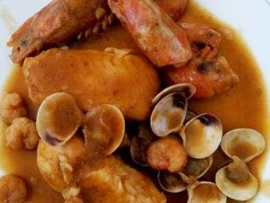 receta de merluza en salsa con gambas y almejas