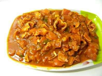 Oreja De Cerdo En Salsa De Tomate