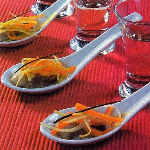 Ostras al vapor con juliana de verduras receta petitchef for Cocinar ostras