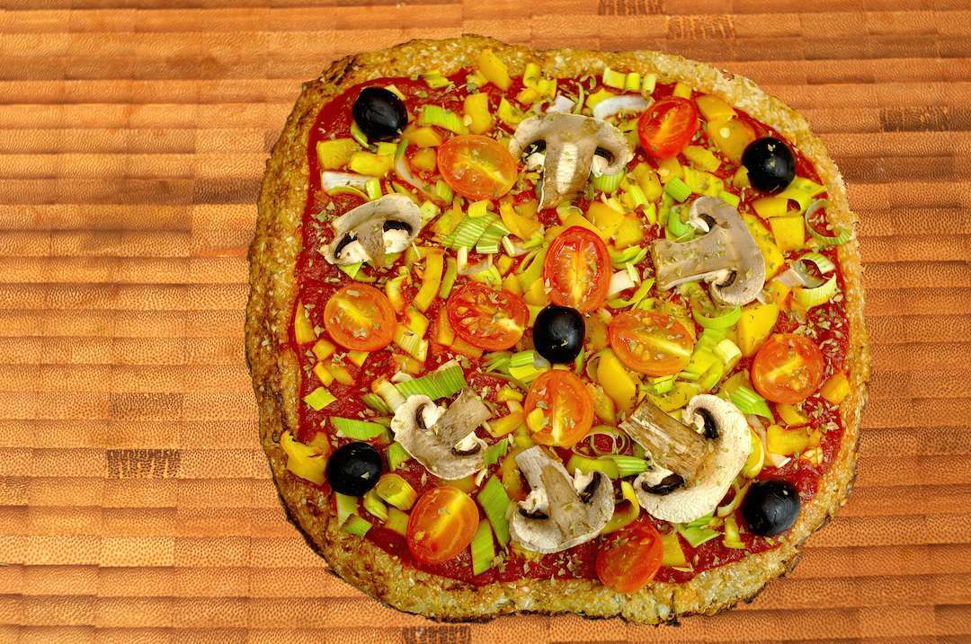 Pizza de coliflor vegana fitken receta petitchef - Meriendas ligeras para adelgazar ...