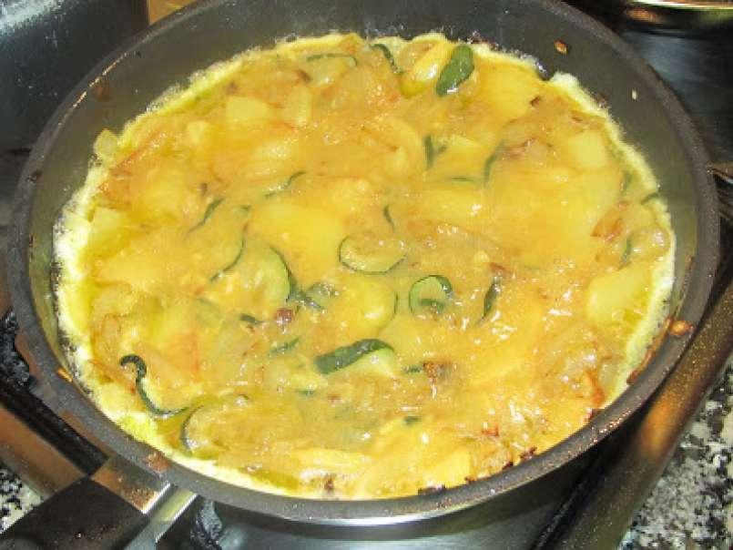Tortilla de patata cebolla y calabacin foto 2 - Tortilla de calabacin y cebolla ...